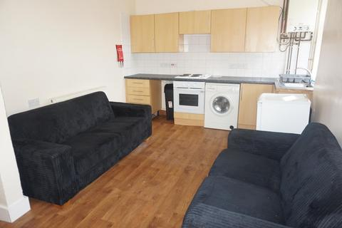 4 bedroom terraced house to rent - Riley Road, BRIGHTON BN2