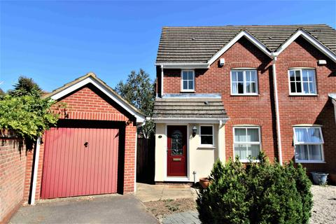3 bedroom semi-detached house to rent - Hyde Close, Chafford Hundred, Grays, Essex, RM16