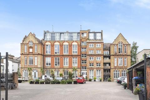 2 bedroom flat for sale - Albany Road, Camberwell