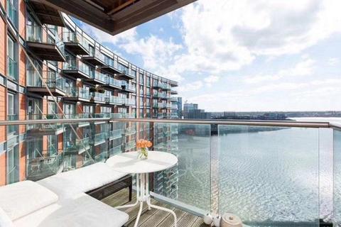 2 bedroom flat for sale - New Providence Wharf, 1 Fairmont Ave, Blackwall,, London E14