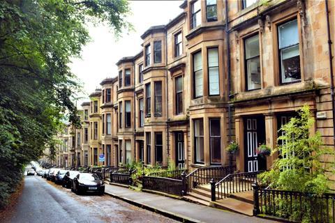 2 bedroom flat for sale - Bowmont Terrace, Flat 2, Dowanhill, Glasgow, G12 9LP