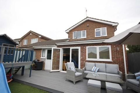 3 bedroom detached house for sale - BH17 CHALDON ROAD, Poole