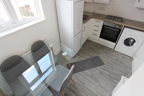 Studio to rent - Grosvenor Road, Whalley Range, Manchester, M16