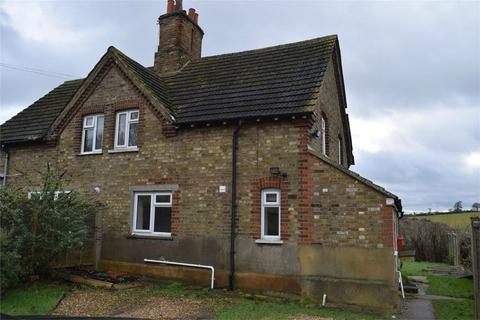 3 bedroom detached house to rent - Hadley Road, ENFIELD, Middlesex
