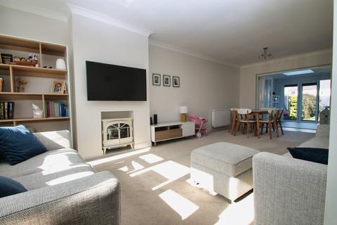3 bedroom end of terrace house for sale - Pawle Close, Chelmsford