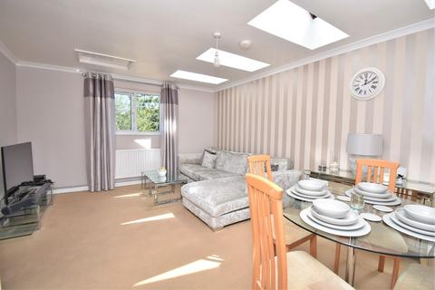2 bedroom apartment for sale - Lower Denmark Road, Ashford