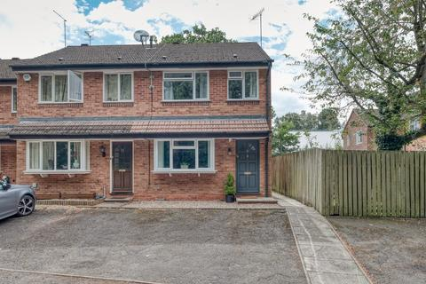 3 bedroom semi-detached house for sale - Oakhurst Drive, Bromsgrove, B60 1AR