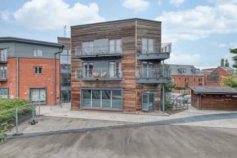 2 bedroom apartment for sale - Pollard Court, Layland Walk, Worcester, WR5 3GD