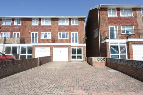 3 bedroom townhouse to rent - Slinfold Close, Brighon