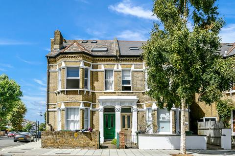 3 bedroom apartment to rent - Elms Crescent, London