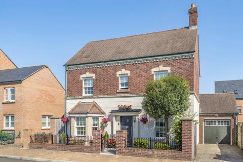3 bedroom detached house for sale - Cornwood Road, Wichelstowe, Swindon, Wiltshire, SN1