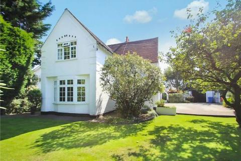 4 bedroom detached house for sale - The White House, Manchester Road, West Timperley