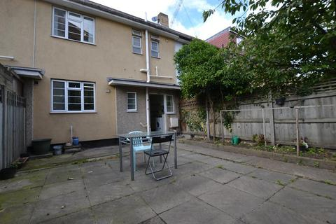 4 bedroom detached house to rent - Aston Street, Stepney Green, London, E14 7NQ