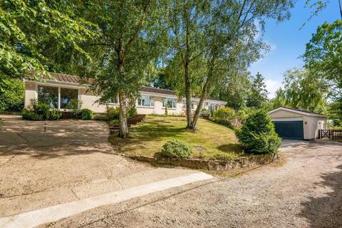 6 bedroom detached bungalow for sale - Pump Lane, Chelsfield Village, Orpington, Kent, BR6 7PL