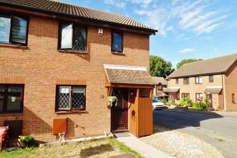 3 bedroom semi-detached house for sale - Strawberry Fields, Swanley