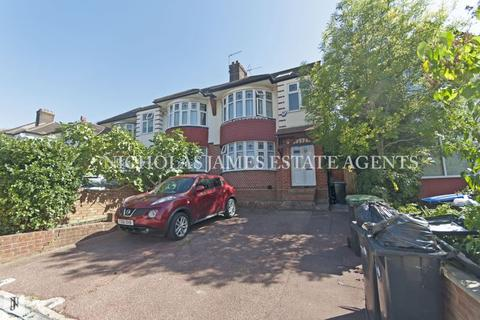 2 bedroom apartment to rent - Chase Road, London