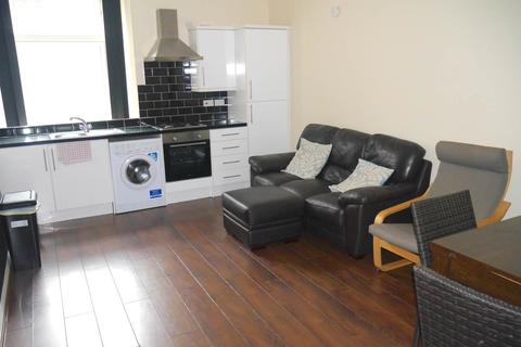 2 bedroom flat to rent - Gellatly Street, Dundee,