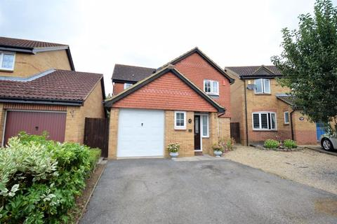 3 bedroom detached house for sale - Thetford Gardens, Luton