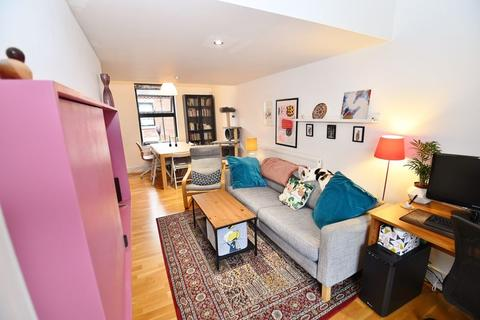 2 bedroom terraced house for sale - Laburnum Street, Salford