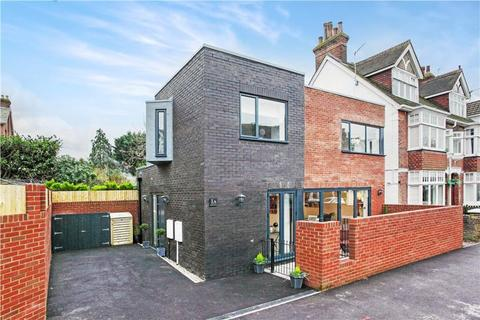 2 bedroom detached house for sale - Southfield Road, Tunbridge Wells