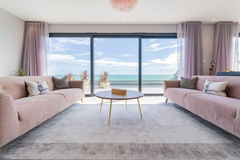 2 bedroom penthouse for sale - Seabrook Road, Hythe, CT21