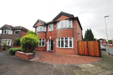 4 bedroom detached house to rent - Conway Road, Davyhulme, Manchester, M41