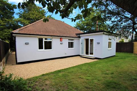 2 bedroom detached bungalow to rent - Cull Lane, New Milton