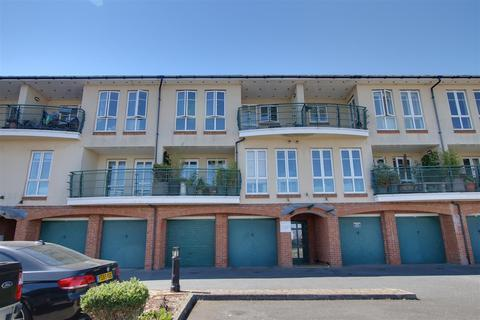 2 bedroom flat to rent - Mariners Wharf, Fort Road, Newhaven