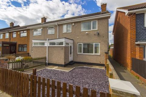 3 bedroom terraced house for sale - Wetherby Green, Ormesby, Middlesbrough, TS7 9LB