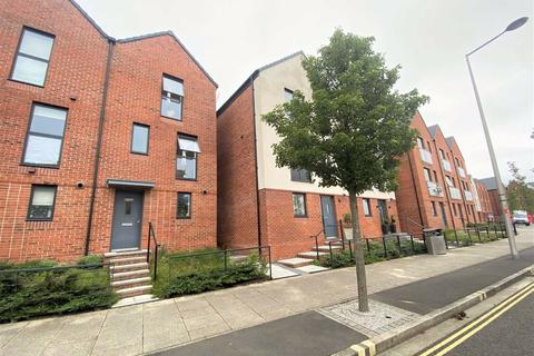3 bedroom townhouse for sale - Langdon Road, Marina, Swansea