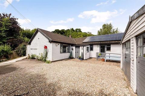 3 bedroom bungalow for sale - Valley Road, Ffrith, Wrexham, LL11