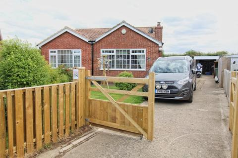 2 bedroom detached bungalow for sale - Bloomfield Way, Barmston, Driffield