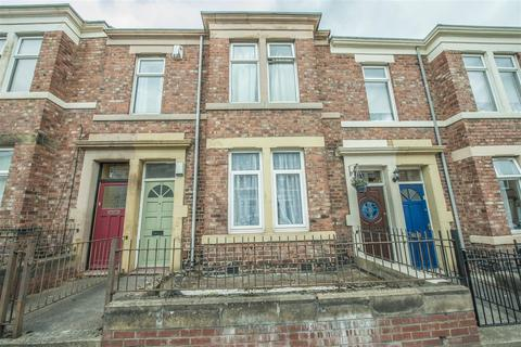 2 bedroom flat for sale - Brinkburn Avenue, Gateshead