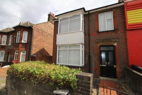 2 bedroom property to rent - Houghton Road, Dunstable