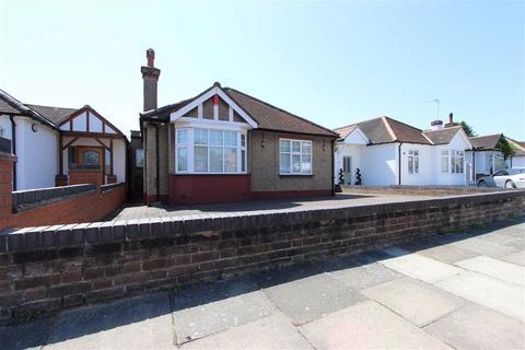 2 bedroom detached bungalow for sale - Ash Grove, Bush Hill Park, Middlesex