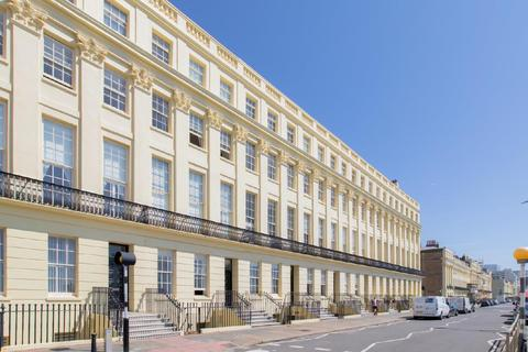 1 bedroom apartment for sale - Brunswick Terrace, Hove