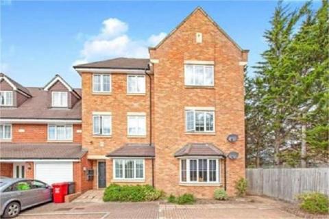 2 bedroom flat to rent - Hayling Close, Slough, Berkshire. SL1 5DE