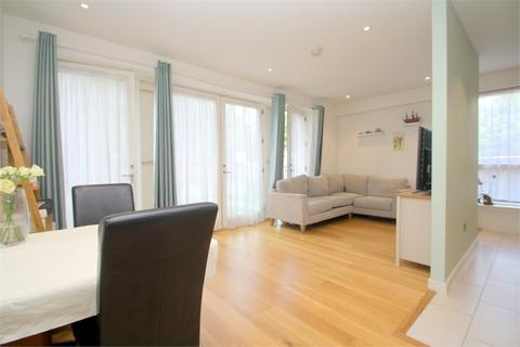 1 bedroom flat for sale - Ash House, Fairfield Avenue, STAINES-UPON-THAMES, Surrey