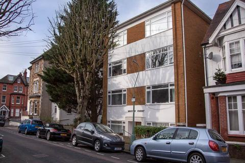 Studio to rent - Brecon Court, Selborne Place, Hove