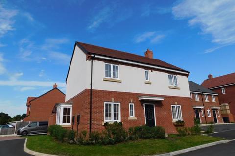 4 bedroom detached house to rent - Samuel Bolshaw Close, Sandbach