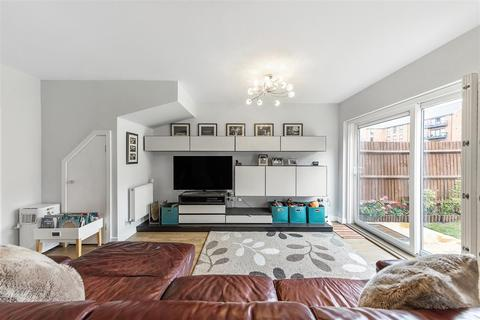 4 bedroom terraced house for sale - Valley Road, SW16