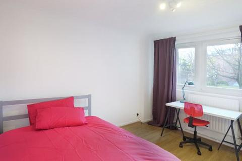 1 bedroom house share to rent - Weatherley Close, London