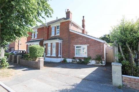 4 bedroom semi-detached house for sale - St Leonards Avenue, Hayling Island