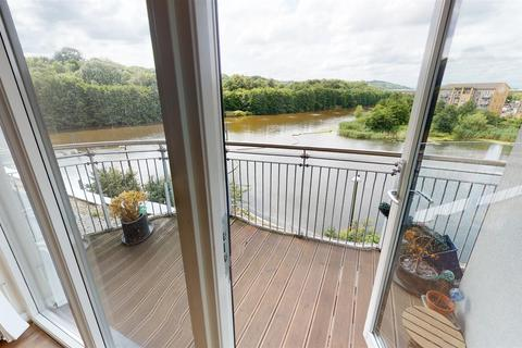 2 bedroom apartment for sale - Victoria Wharf, Watkiss Way, Cardiff