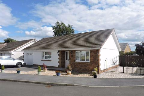 3 bedroom detached bungalow for sale - Delfryn, Capel Hendre