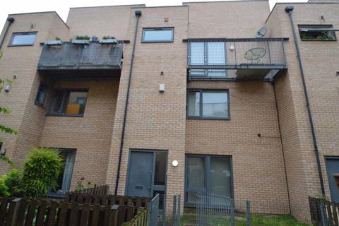 3 bedroom house to rent - Betsham Street, Manchester