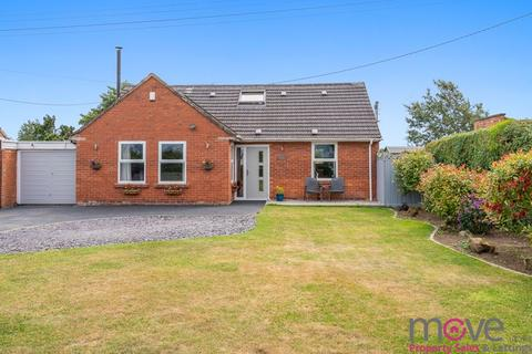 4 bedroom detached bungalow for sale - Brook Lane, Down Hatherley, GL2 9PR