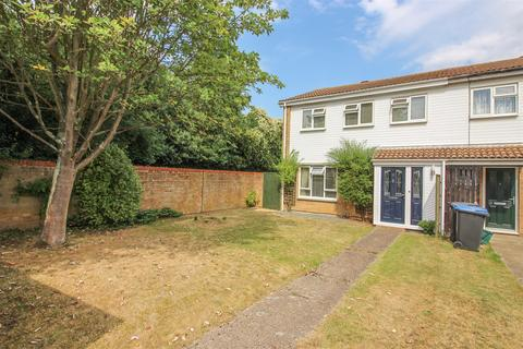3 bedroom end of terrace house for sale - Guilfords, Old Harlow