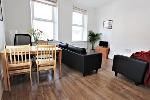 3 bedroom detached house to rent - West Green Road, Tottenham, N15