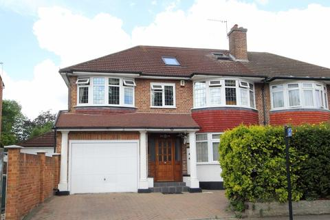 5 bedroom semi-detached house for sale - Hoppers Road, London, N21
